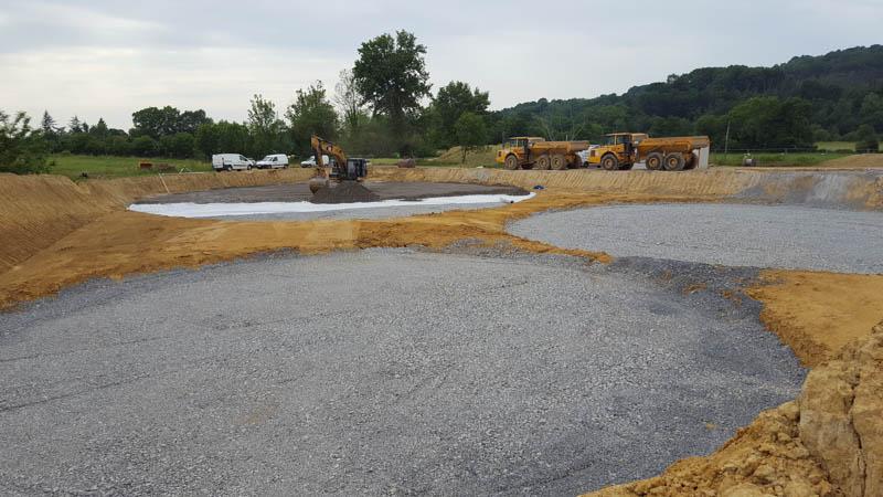 chantier en cours de construction de digesteur pour la méthanisation de déchets organiques issue de l'agriculture