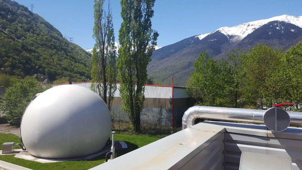 Vue d'une installation de méthanisation dans un production laitière