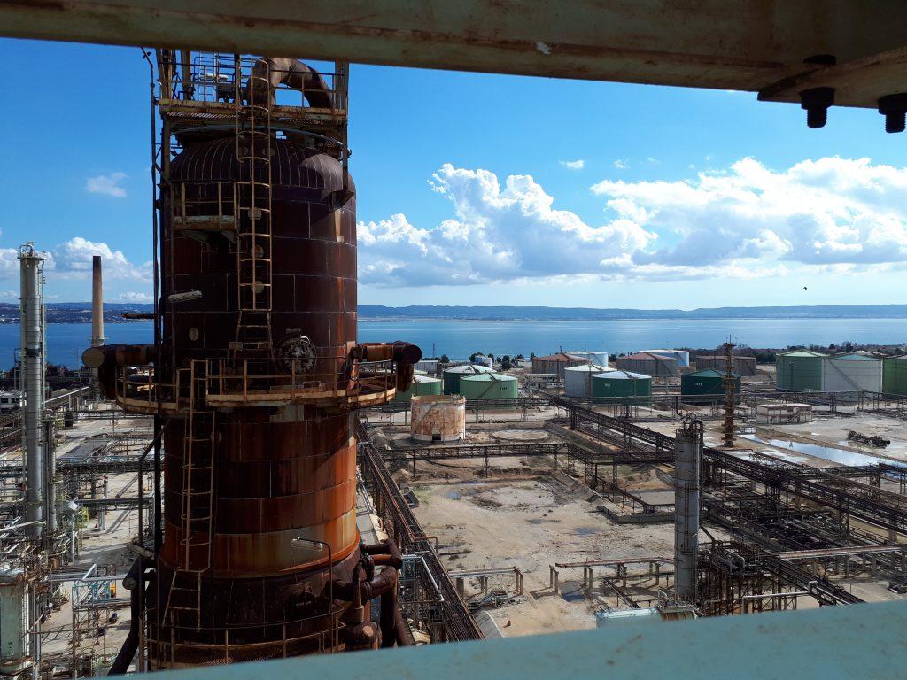La raffinerie désamiantée par Valgo